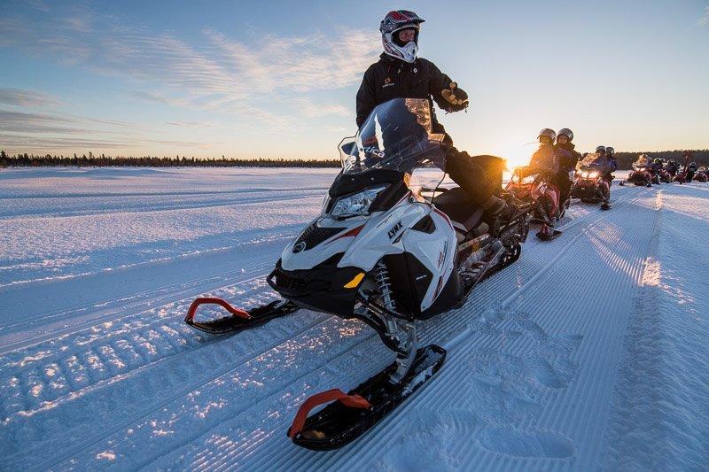 אופנועי שלג בלפלנד - לפלנד אקסטרים - Wild Travel