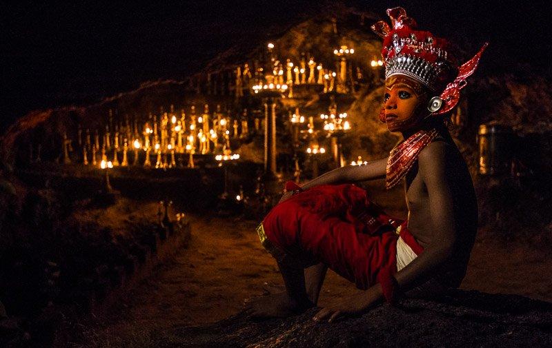 ילד הודי מתכונן לטקס הטאיאם בדרום הודו - Wild Travel