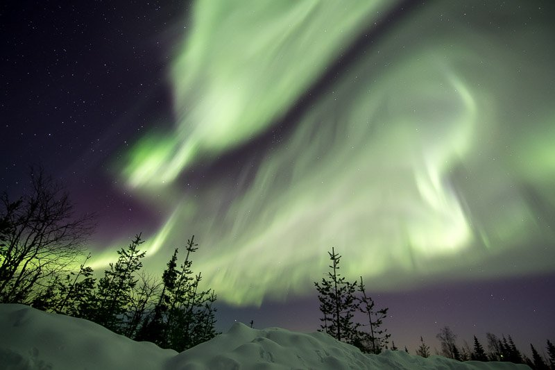 זוהר צפוני עצמתי במיוחד בצפון לפלנד הפינית - Wild Travel