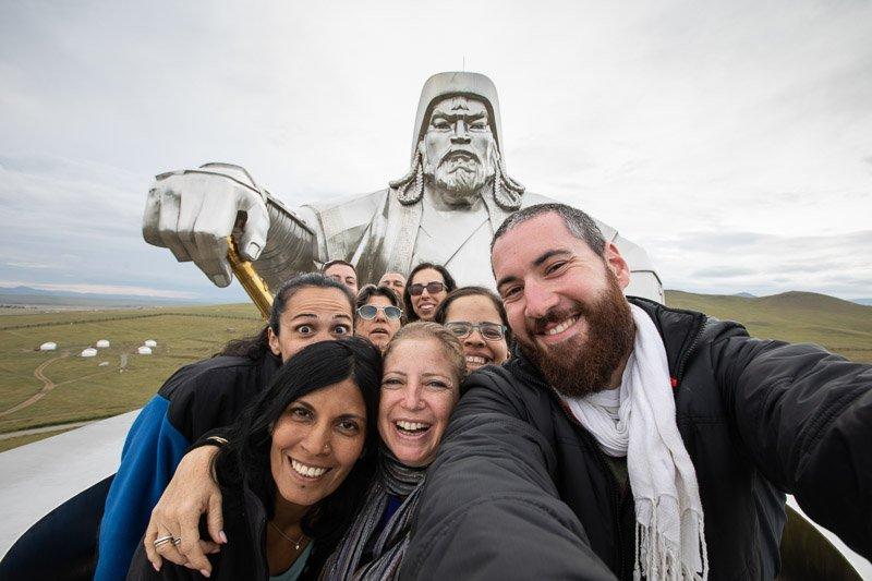 הקבוצה שלנו ליד הפסל של ג'ינגס חאן, מונגוליה - Wild Travel