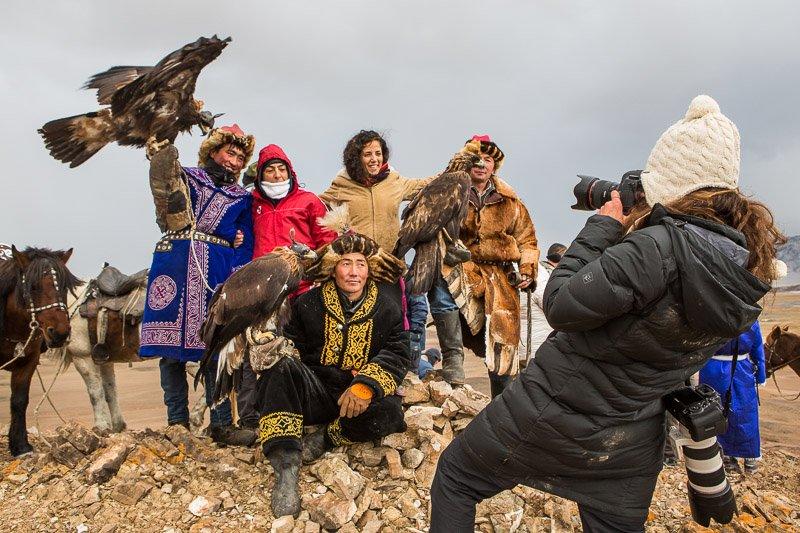 ציידים קזחים במונגוליה עם צלמים מהקבוצה שלנו - Wild Travel