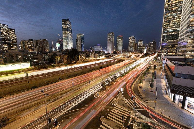 תמונה בחשיפה ארוכה של קו הרקיע של תל אביב מתוך סדנת צילום טיים לאפס - Wild Travel