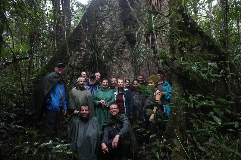 הקבוצה שלנו ביער האמזונס, שמורת קויאבנו, אקוודור - Wild Travel