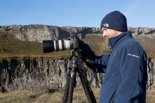 תומר המדריך בקניון יוקולסה בצפון איסלנד - Wild Travel