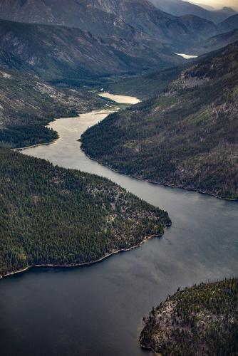 נהר ברכס הרי החוף של קולומביה הבריטית, קנדה - Wild Travel