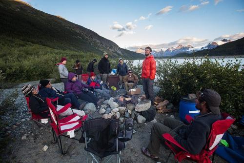 ערב בשטח, אגם אייפ ברכס הרי החוף של קולומביה הבריטית, קנדה - Wild Travel