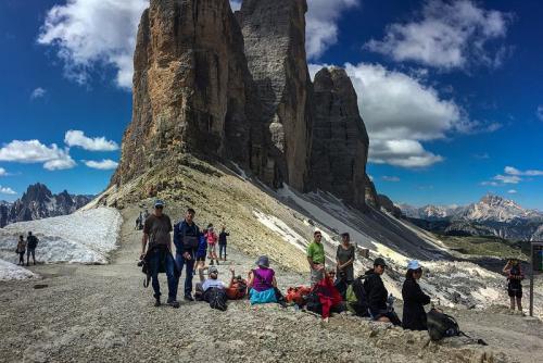 המטיילים שלנו בטרה צ'ימנה, דולומיטים איטליה - Wild Travel