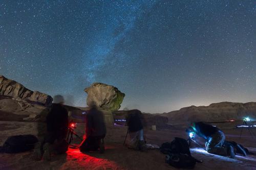 צילום כוכבים בפארק תמנע - סדנת צילום נוף - Wild Travel