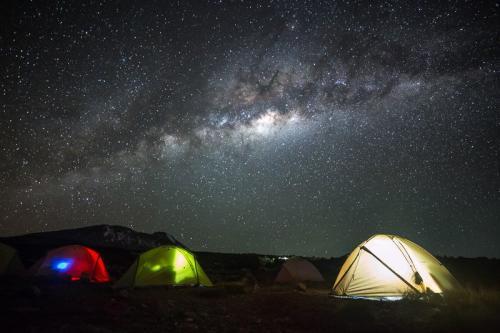 מחנה האוהלים קרנגה, דרך מצ'אמה - קילימנג'רו, טנזניה - Wild Travel