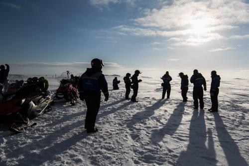 אופנועי שלג על פסגת ההר הגבוה בפינלנד - Wild Travel