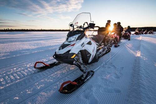 מסע אופנועי שלג בלפלנד - Wild Travel