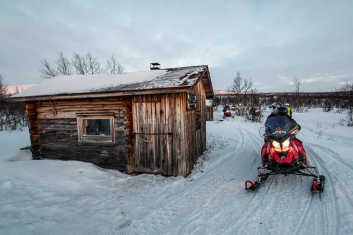 אופנוע שלג בצפון לפלנד, גבול פינלנד, נורבגיה ושבדיה - Wild Travel
