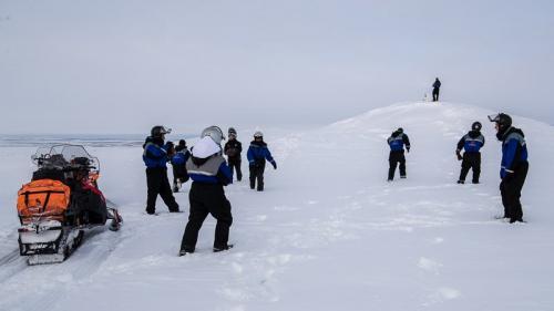 חציית האלפים הסקנדינבים על אופנועי שלג, לפלנד אקסטרים - Wild Travel