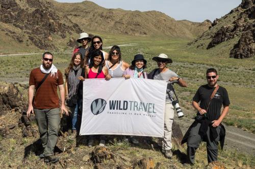 הקבוצה שלנו באזור הגובי בדרום מונגוליה - Wild Travel