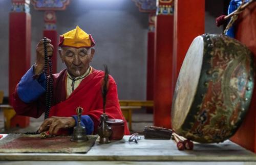 נזיר בודהיסטי בצפון מזרח מונגוליה - Wild Travel