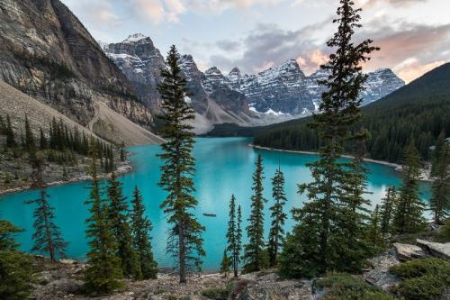 אגם מוריין בשמורת באנף, הרי הרוקי הקנדיים, קנדה - Wild Travel