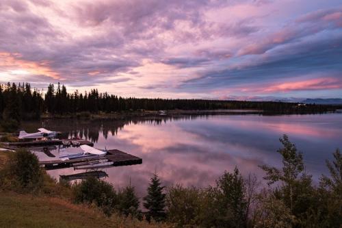 זריחה בנימפו לייק, קולומביה הבריטית, קנדה - Wild Travel