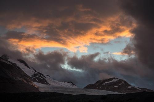הקרחונים של אגם אייפ ברכס הרי החוף של קולומביה הבריטית, קנדה - Wild Travel