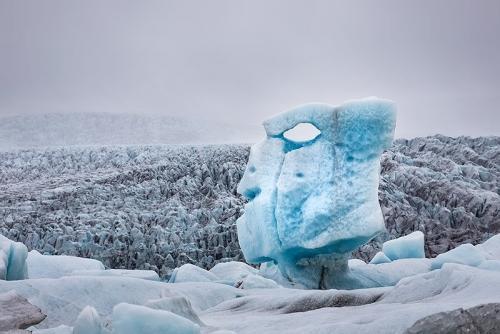 קרחון בצורה של ראש, שמורת סקפטפל, איסלנד - Wild Travel