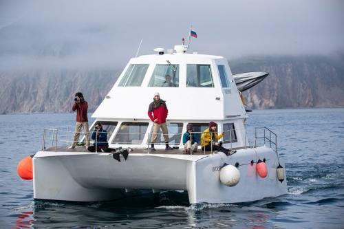 היכטה שלנו בהפלגה למפרץ רוסקאייה, קמצ'טקה - Wild Travel