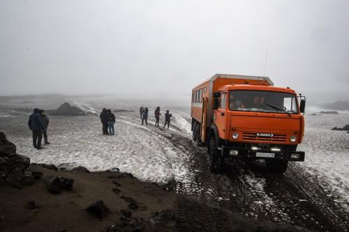 חוצים את הקלדרה של הר הגעש גורלי, קמצ'טקה - Wild Travel