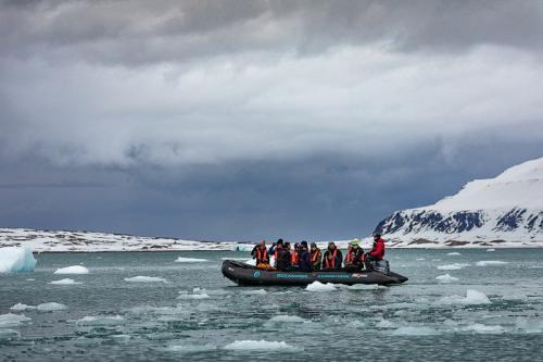 הפלגה בזודיאק בים הקרח הצפוני, שפיצברגן - Wild Travel