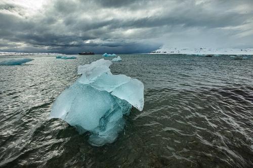 קרחון צף על ים הקרח הצפוני, שפיצברגן - Wild Travel